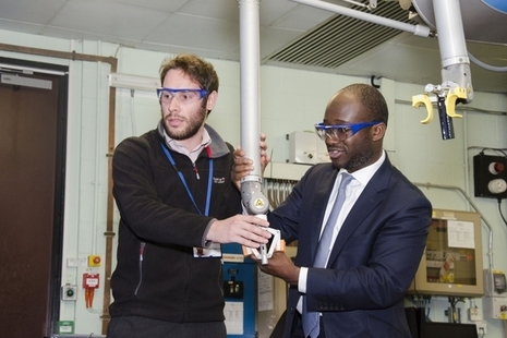 Science Minister tries out remote handling technology at JET