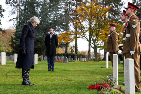 PM lays a wreath