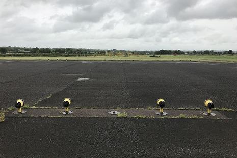 Aircraft Accident Report AAR 2/2018 - C-FWGH, Runway Lights