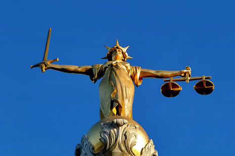 Lady-Justice statue on the Old Bailey, London - retouched picture (credit: Natural Philo / CC BY-SA 3.0)