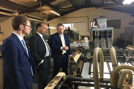 Minister Hollingbery visits ceramic companies in Stoke