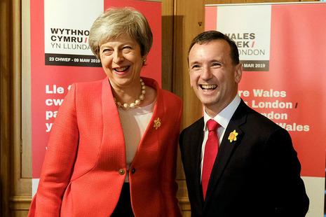 PM Theresa May and Alun Cairns at a Downing Street reception