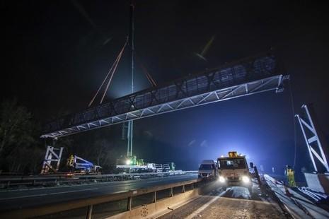 The 'superscan' gantry being installed