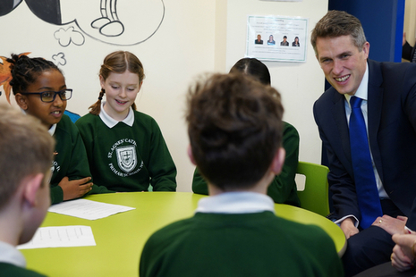 Education Secretary Gavin Williamson talks to primary school children in classroom