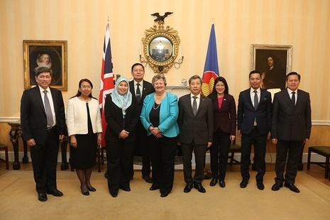 Minister Wheeler with senior diplomats in London from ASEAN countries