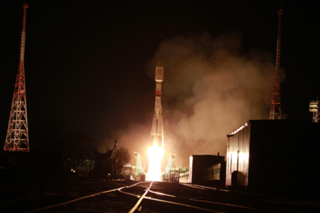 Photo of launch of OneWeb rocket.
