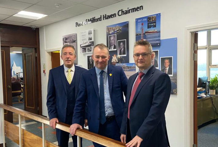 From L-R Chris Martin (Chairman MHPA), Welsh Secretary Simon Hart and Andy Jones (CEO MHPA)