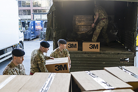 Soldiers from 4 Regiment, Royal Logistic Corps delivered 40,000 surgical masks to St Thomas Hospital in London.