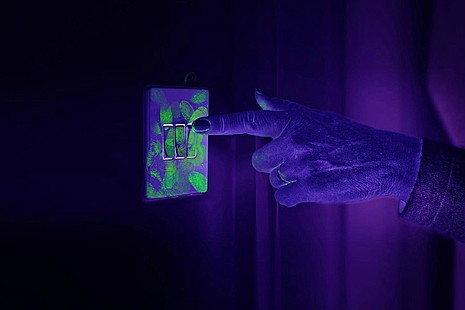 Lightswitch with UV