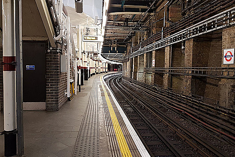 Empty platform Aldgate Tube station