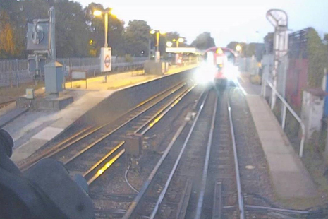 Forward-facing CCTV image from southbound train, showing stopping positions of the trains involved (image courtesy of Chiltern Railways)