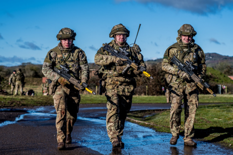 Soldiers from 4 Scots
