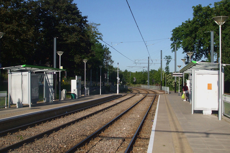 Gravel Hill tram stop (photograph by Sunil060902, distributed under a CC-BY-SA 3.0 license.)