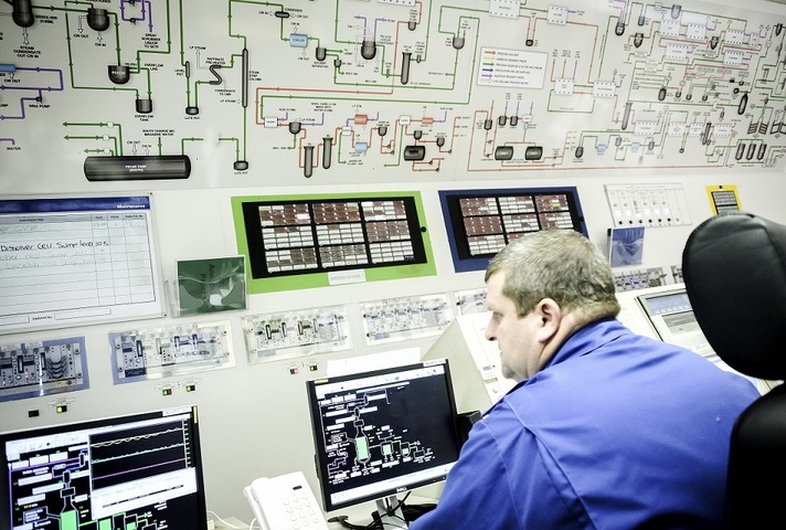 Sellafield worker in the Magnox reprocessing facility's control room