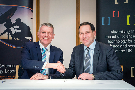 Picture showing Dstl Chief Executive Gary Aitkenhead and DECA Chief Executive Geraint Spearing