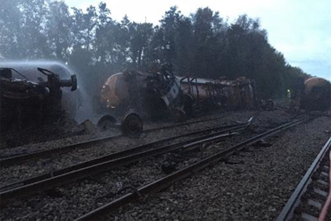 Derailed tank wagons at Llangennech, Carmarthenshire (courtesy of Network Rail)
