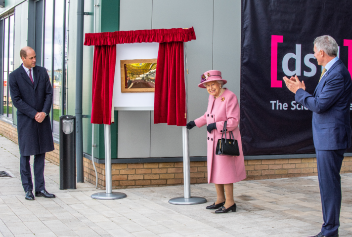 The Queen and Duke of Cambridge at Dstl