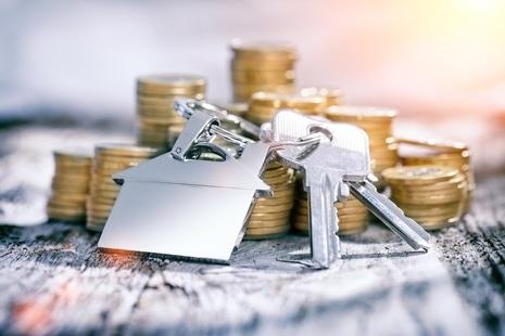 Photo of keys and money