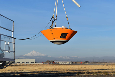 Drop test vehicle ready for ascent (ESA)
