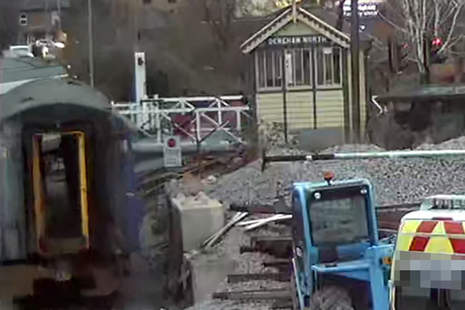 CCTV image showing the rail vehicle moving towards the level crossing gates (courtesy of Mid Norfolk Railway)