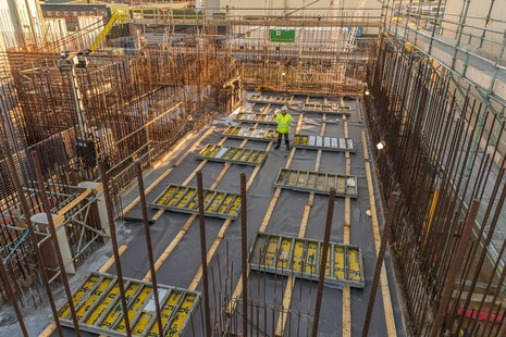 425 tonnes of concrete were poured to complete the first floor of the waste store