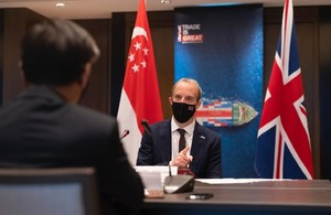 Foreign Secretary visits Singapore to strengthen bilateral climate and tech ties and announce science collaboration