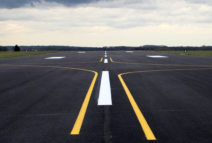 The newly resurfaced runway at RAF Odiham. [Crown Copyright / MOD 2021]