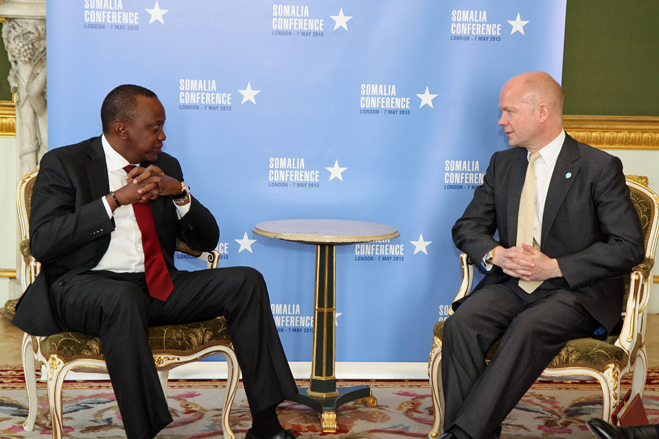 Foreign Secretary William Hague with President Kenyatta of Kenya at the London Somalia Conference