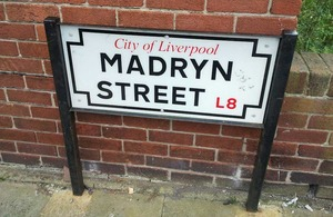 Madryn Street sign