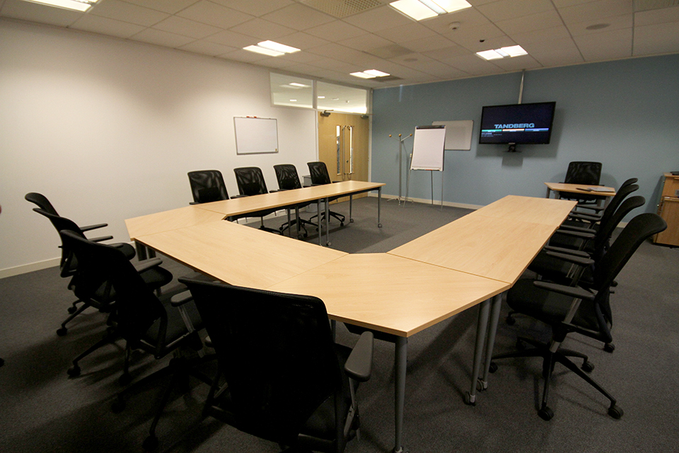 Dvla 39 s richard ley development centre learning facility for Training room design layout