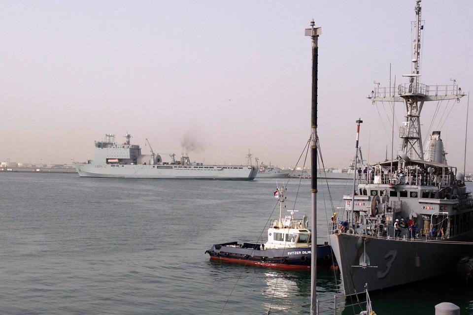 RFA Cardigan Bay departs Mina Salman Pier