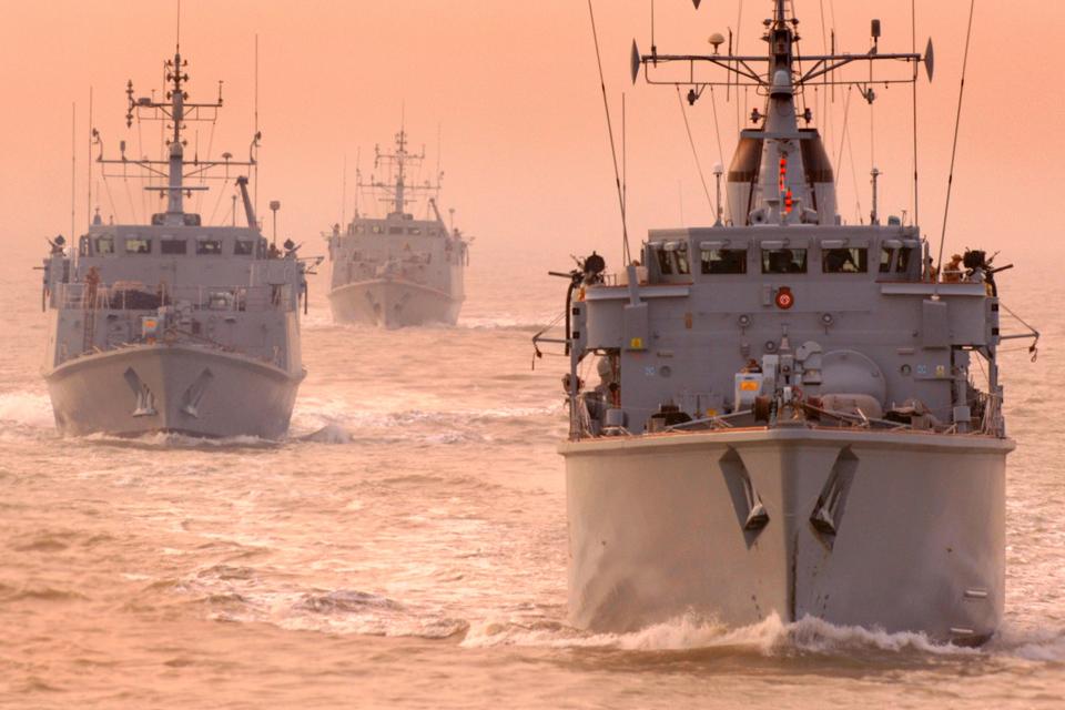 HMS Atherstone (front) leads UK minehunters