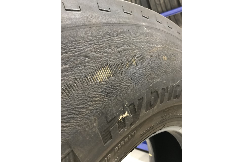 Body cords exposed on the sidewall
