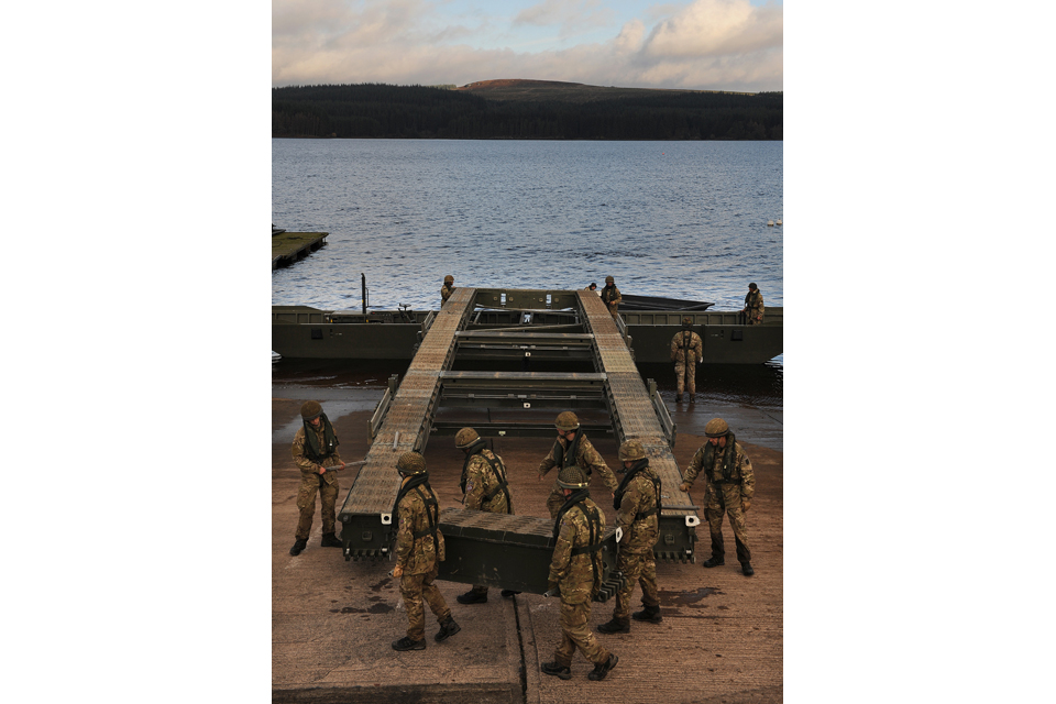 Sappers preparing the bridge