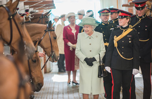 Her Majesty visiting the King's Troop Royal Horse Artillery stables at Woolwich Barracks [Picture: Sergeant Adrian Harlen, Crown copyright]