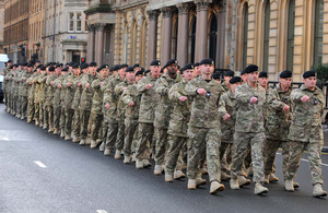 Soldiers parade through Glasgow