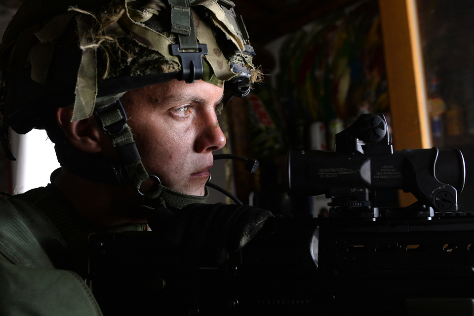 A soldier from 5th Battalion The Rifles