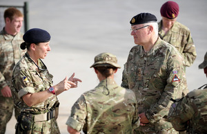 General Wall receives a briefing about redeployment from Lieutenant Colonel Ceri Morton [Picture: Corporal Si Longworth, Crown copyright]