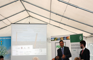Martin Oxley (Director, UK Trade & Investment Poland) speaks at the landfill biogas conference in Łubna
