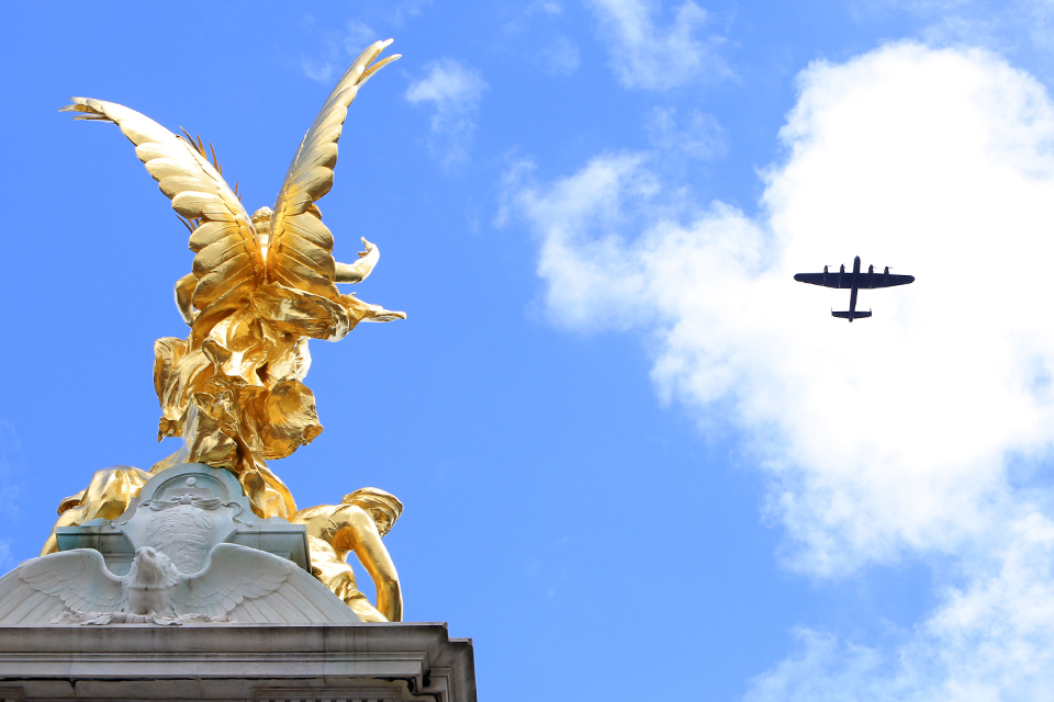 Lancaster bomber in the skies above Buckingham Palace