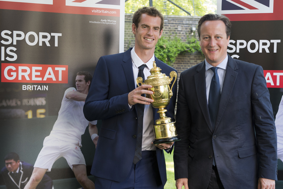 The Prime Minister and Andy Murray with the Wimbledon men's trophy