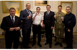 David Cameron and Mark Francois with Service personnel