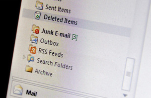 Screenshot of email programme with the Junk Mail folder highlighted