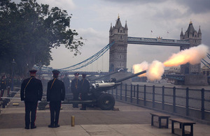 Soldiers from the Honourable Artillery Company fire a 62-gun royal salute from Gun Wharf at the Tower of London [Picture: Petty Officer (Photographer) Derek Wade, Crown copyright]