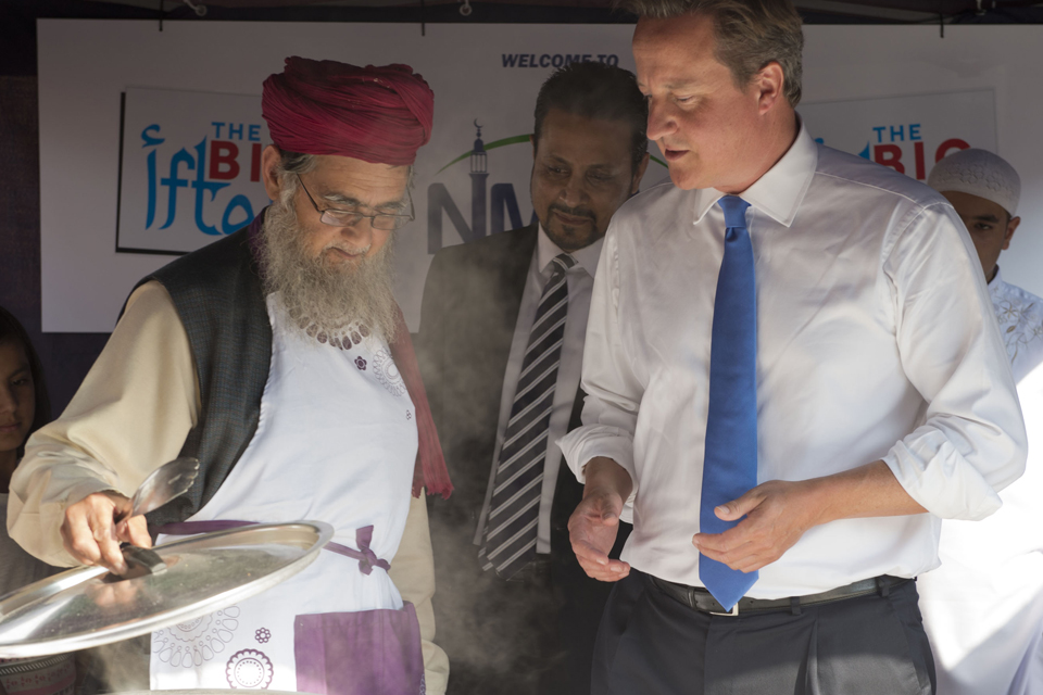 David Cameron visits North Manchester Jamia Mosque ahead of Eid 2013