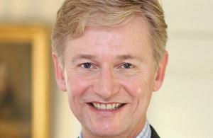 السفير البريطاني لدى المغرب، كلايف ألدرتون