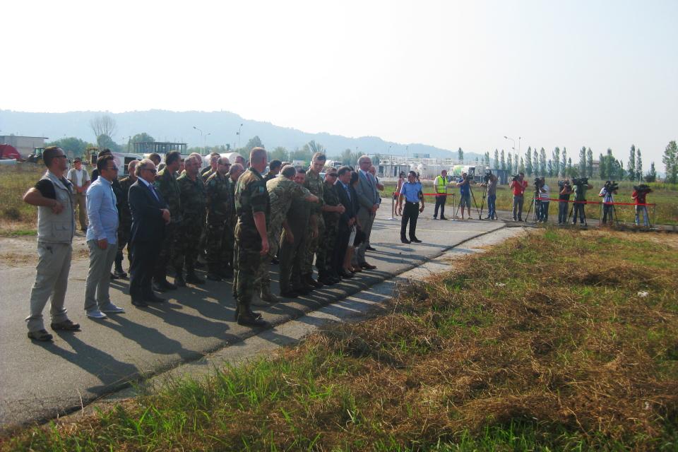 """Albanian Lion 13"" - HMA Nicholas Cannon and the Albanian CHOD MG Xhemal Gjunkshi await the arrival of the RAF 100 Squadron Hawks at Rinas, Tirana."