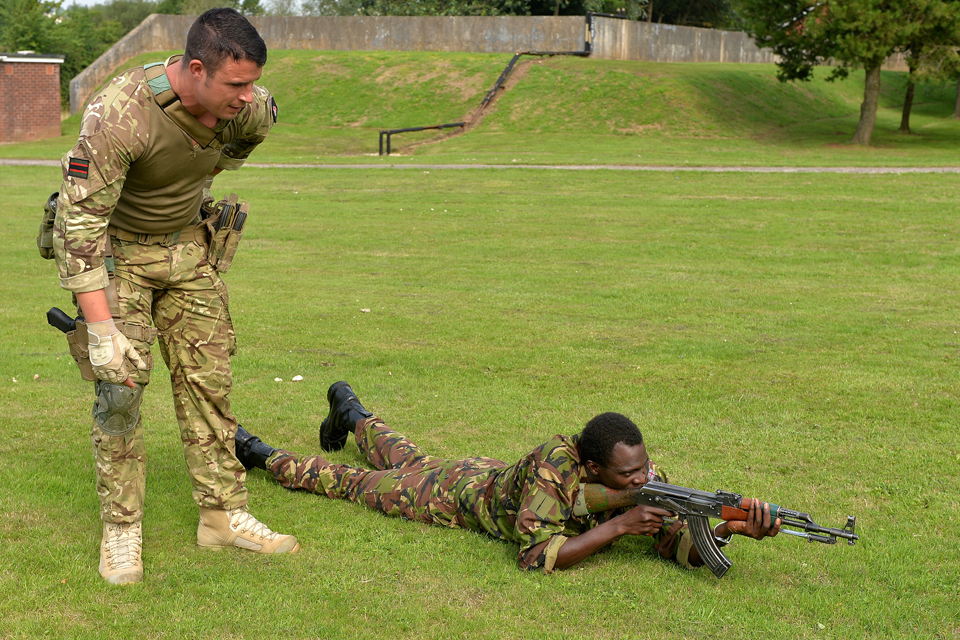 Soldiers from 1st Battalion The Rifles training ahead of their deployment