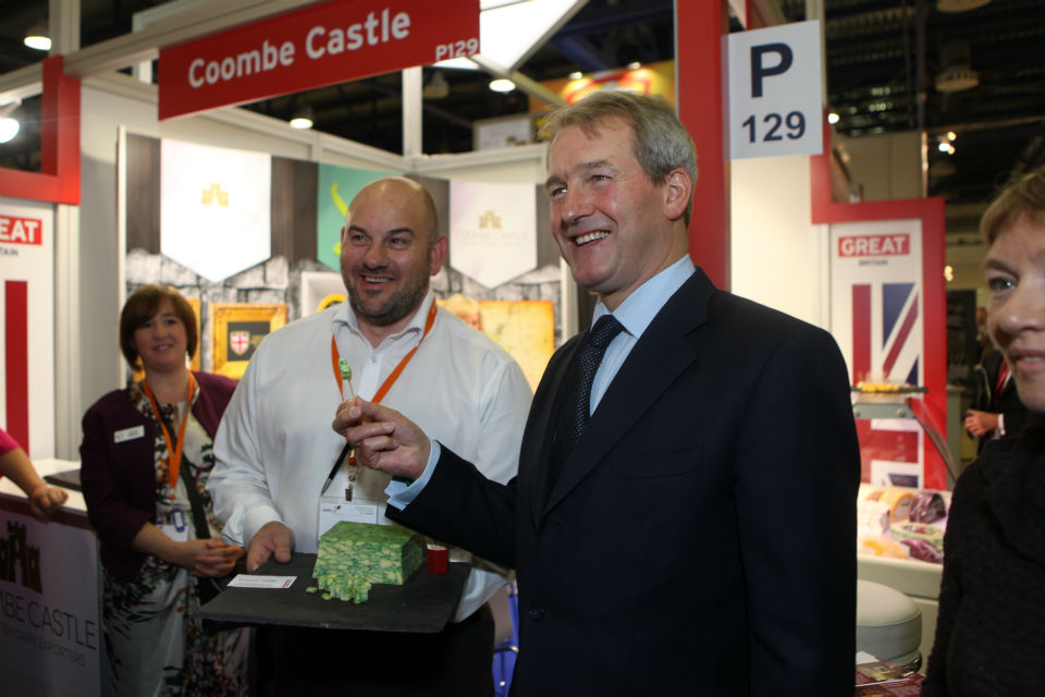 Owen Paterson promoting British food at World Food Moscow