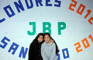 Girls of Juan Bautista Pastene School.